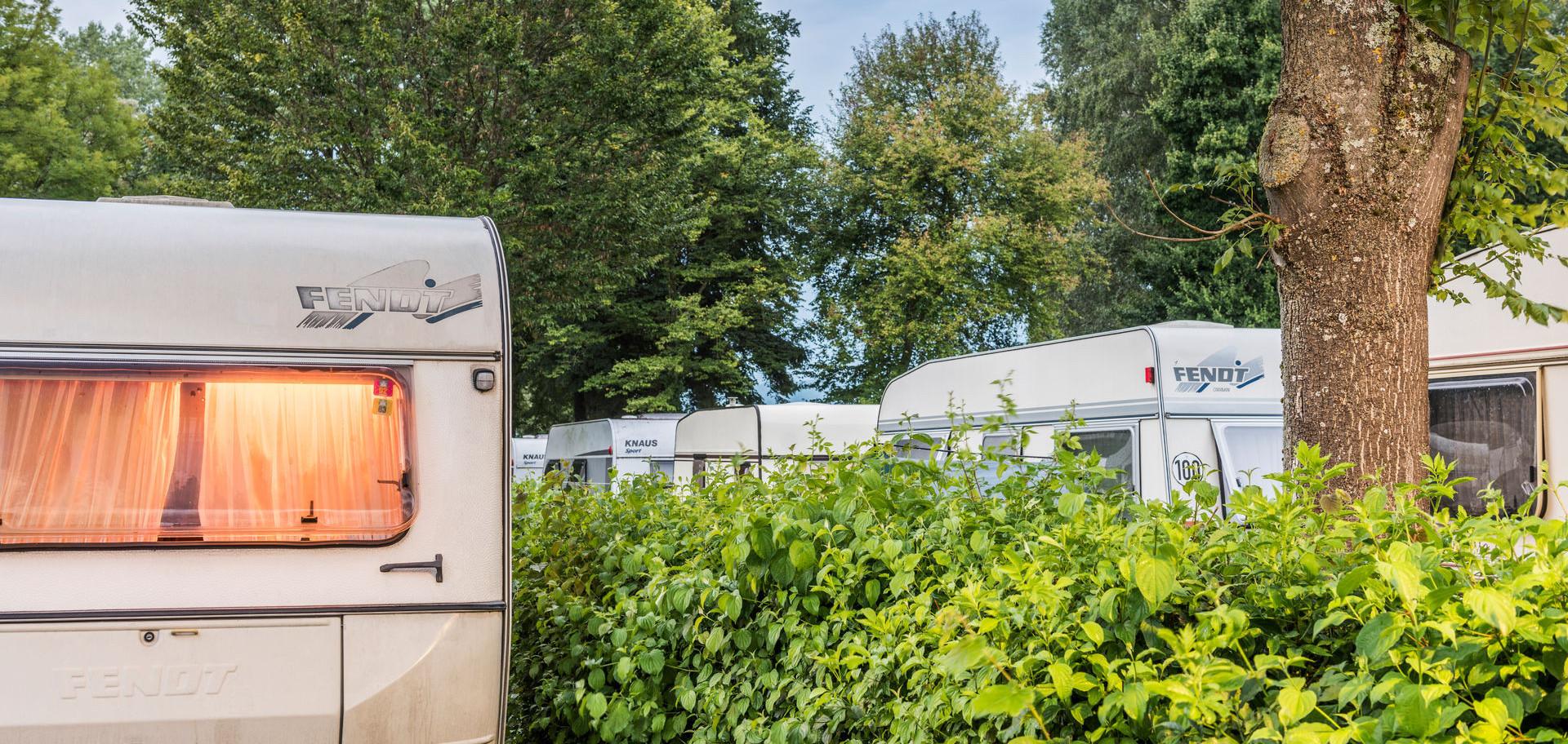 Konstanz-Campingplatz-Klausenhorn-Bodensee-Wohnwagen_Herbst_Copyright_MTK-Dagmar-Schwelle